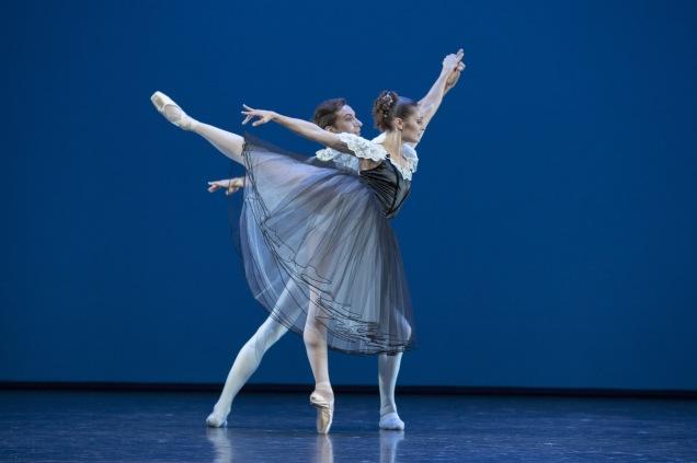 """Ballett am Rhein Düsseldorf/Duisburg b.29 """"Mozartiana"""" ch.: George Balanchine"""